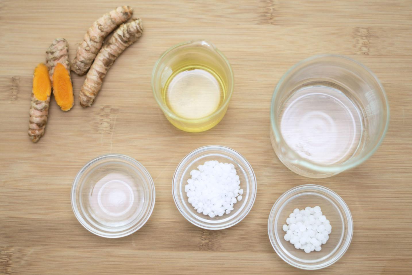 DIY Anti-Acne Turmeric Cream